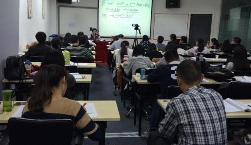 1227bc_汪学能老师上课.jpg