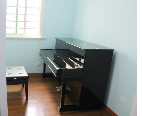 21615ml_钢琴房.jpg