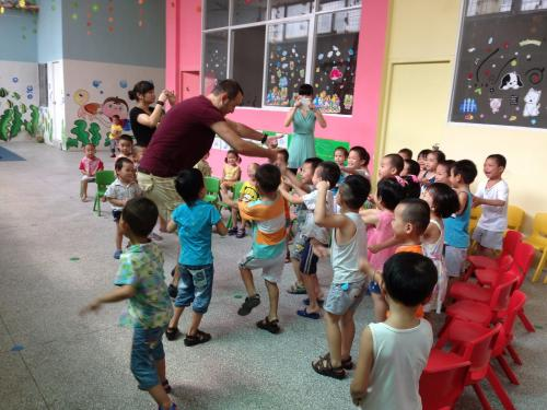 少儿中国舞(宝安分部)