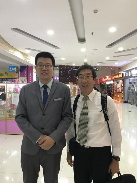 36734v3_周老师与前苏浙中学陈校长.jpg