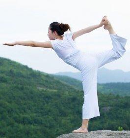 成人瑜伽图片