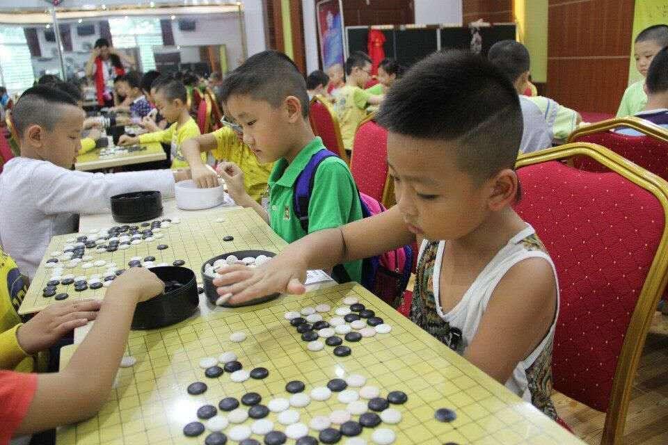 梅州千名儿童免费学棋活动