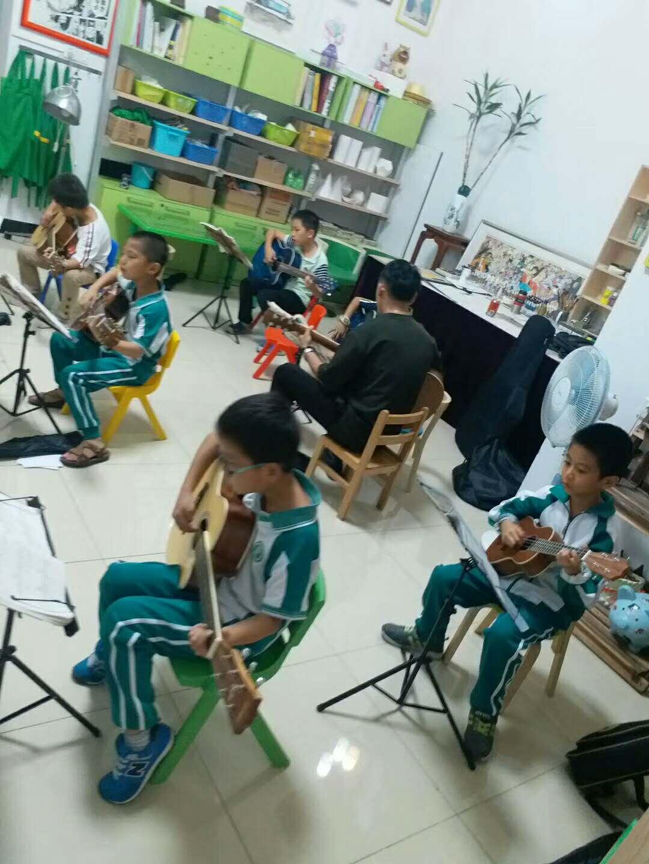 吉他练习大课1班