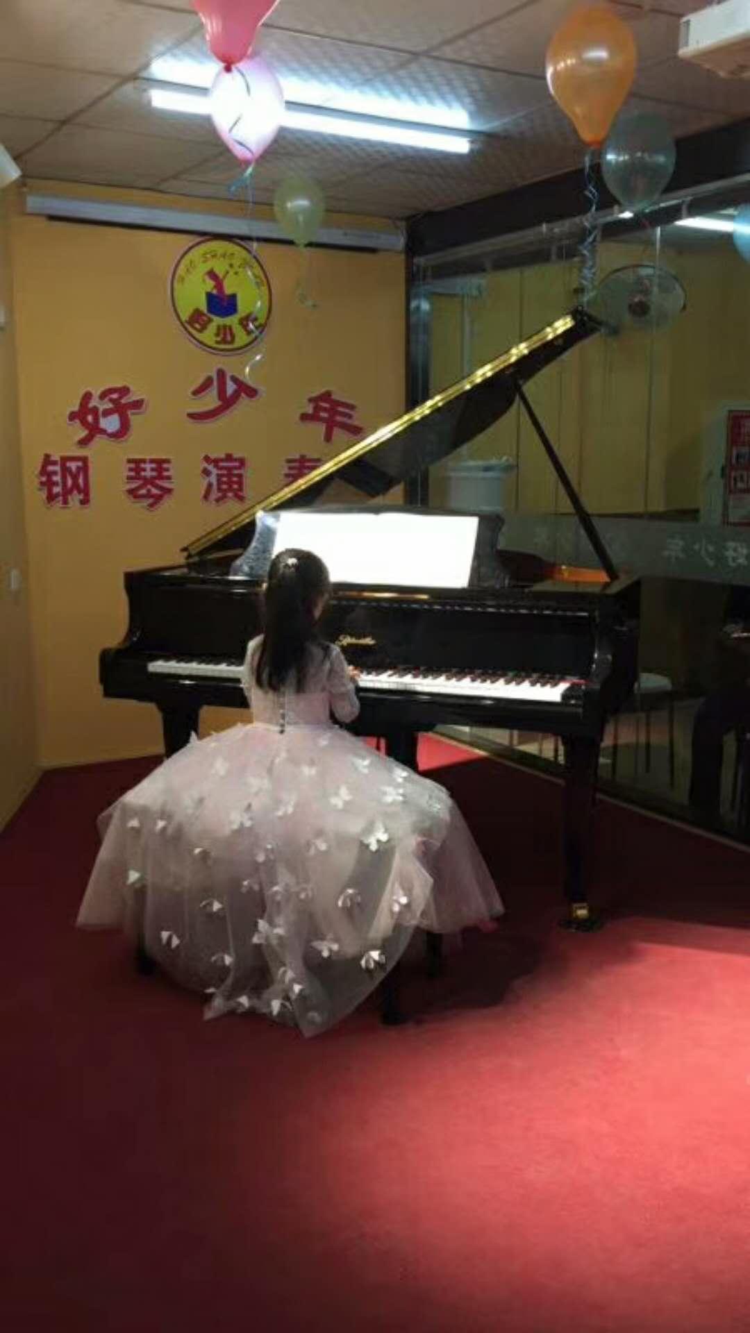 钢琴一对一陪练