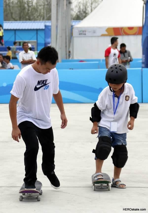 DK滑板课程
