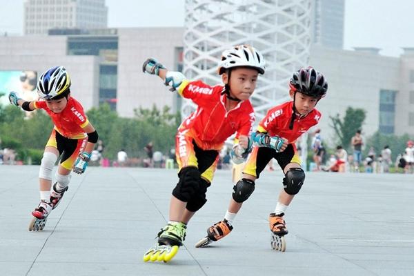 速度轮滑(Speed Skating)