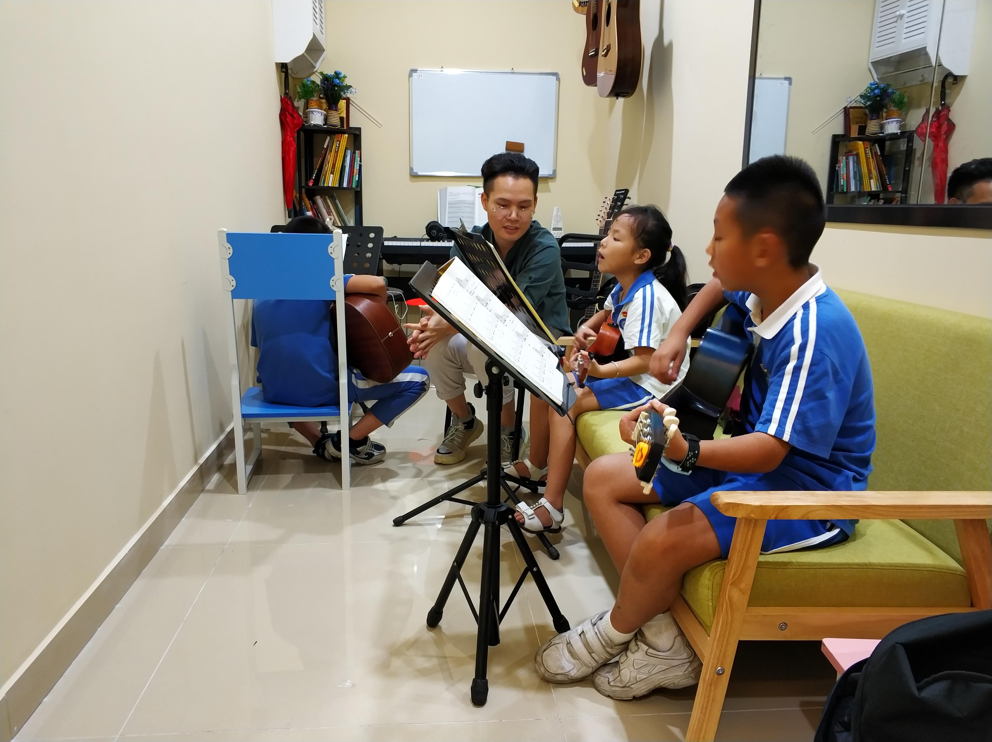 暑假吉他集训班
