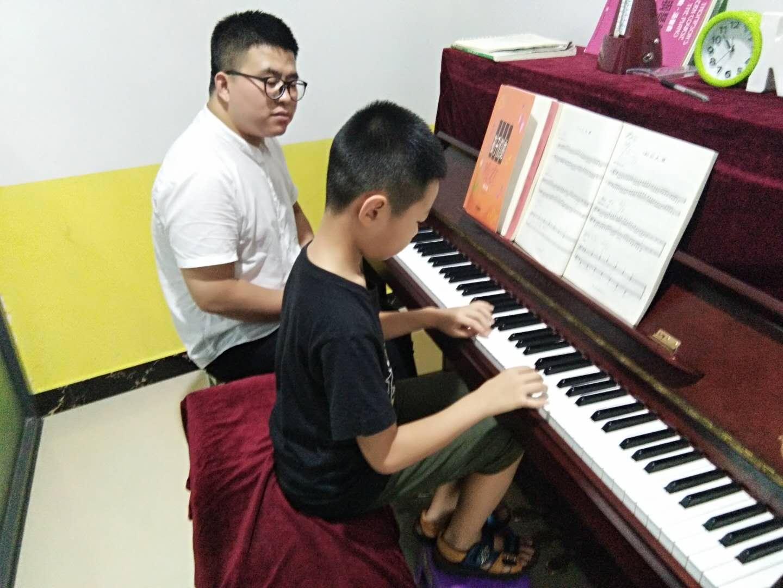 少儿、成人钢琴课程
