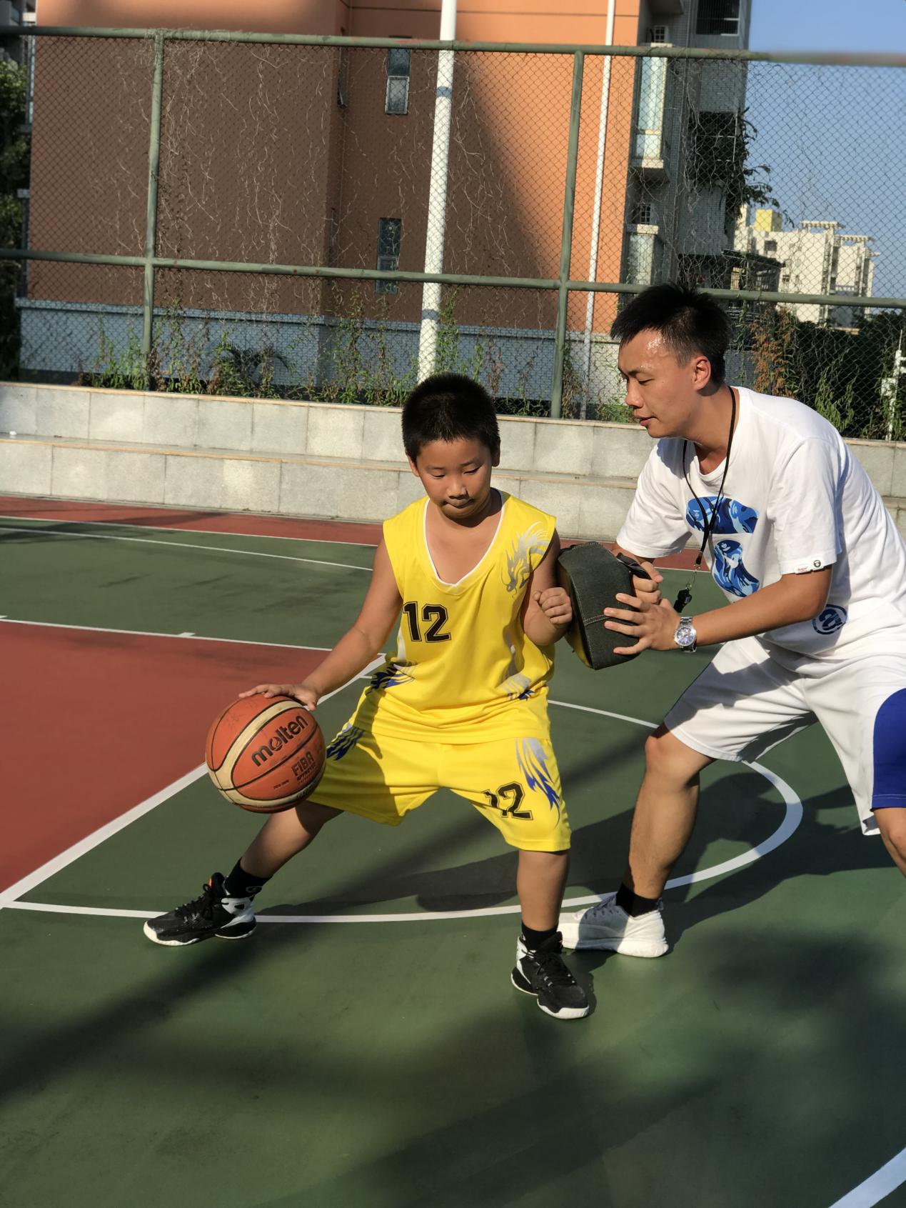 智成篮球精英班