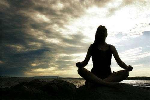 成人瑜伽课程