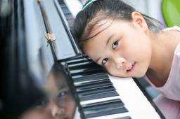 音畔少儿钢琴班