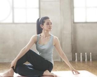 乐猴成人瑜伽课程图片
