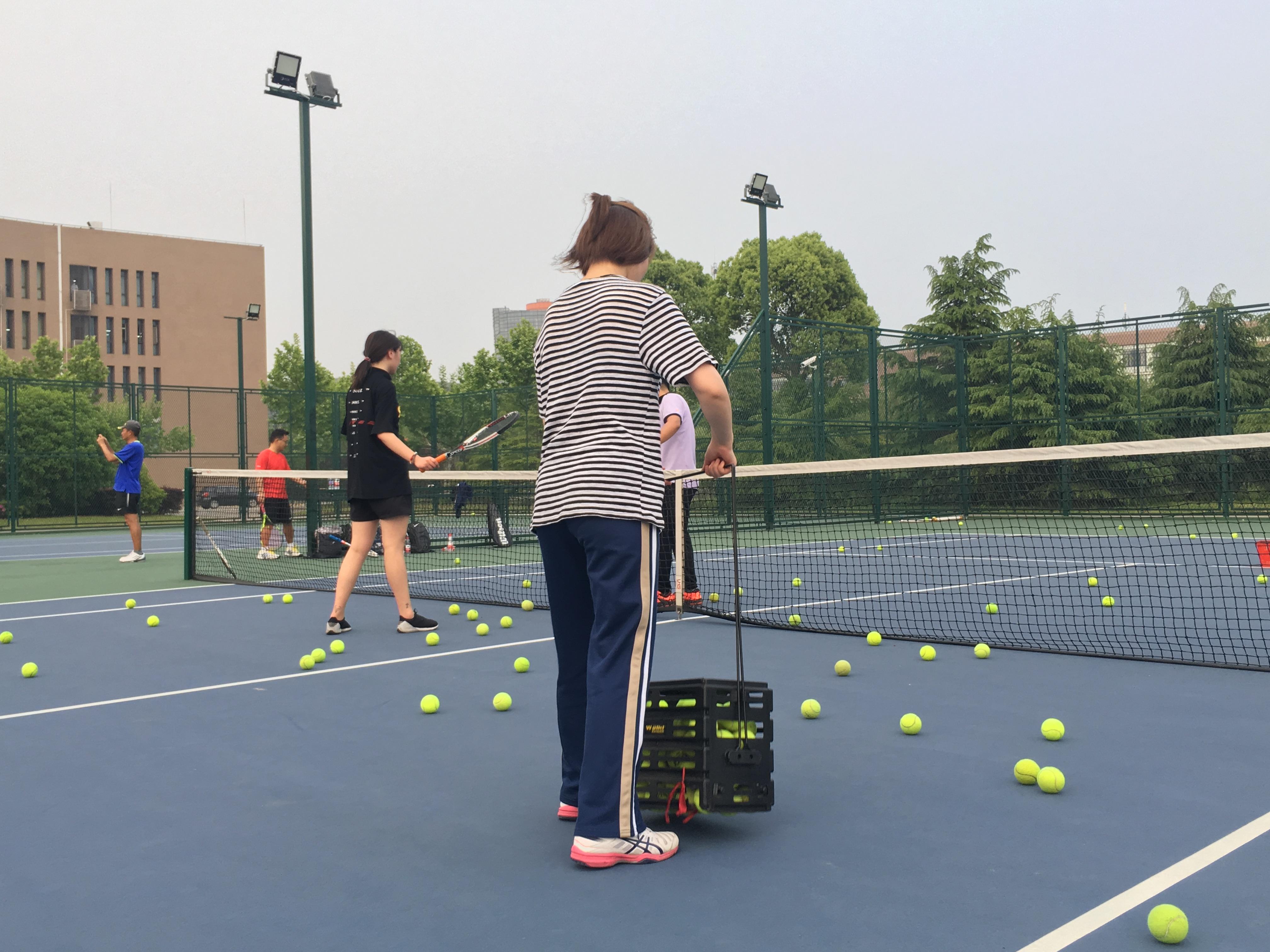 周末成人网球班