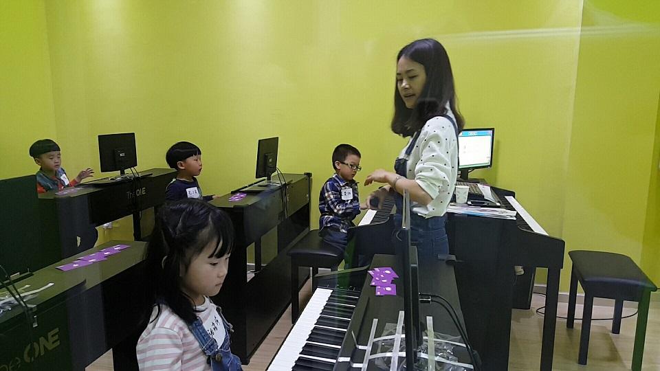 THEONE钢琴启蒙课