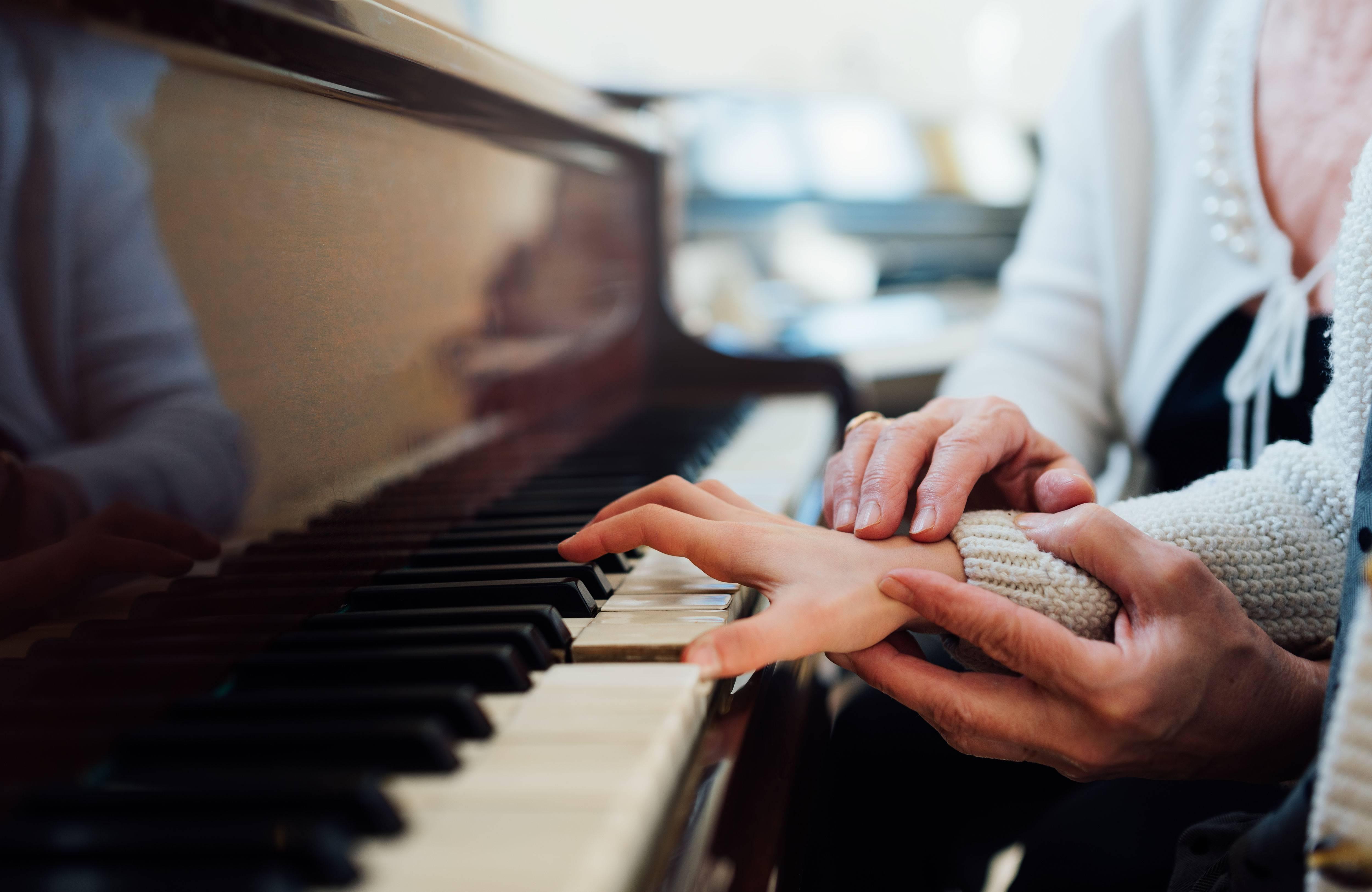 一对一钢琴陪练