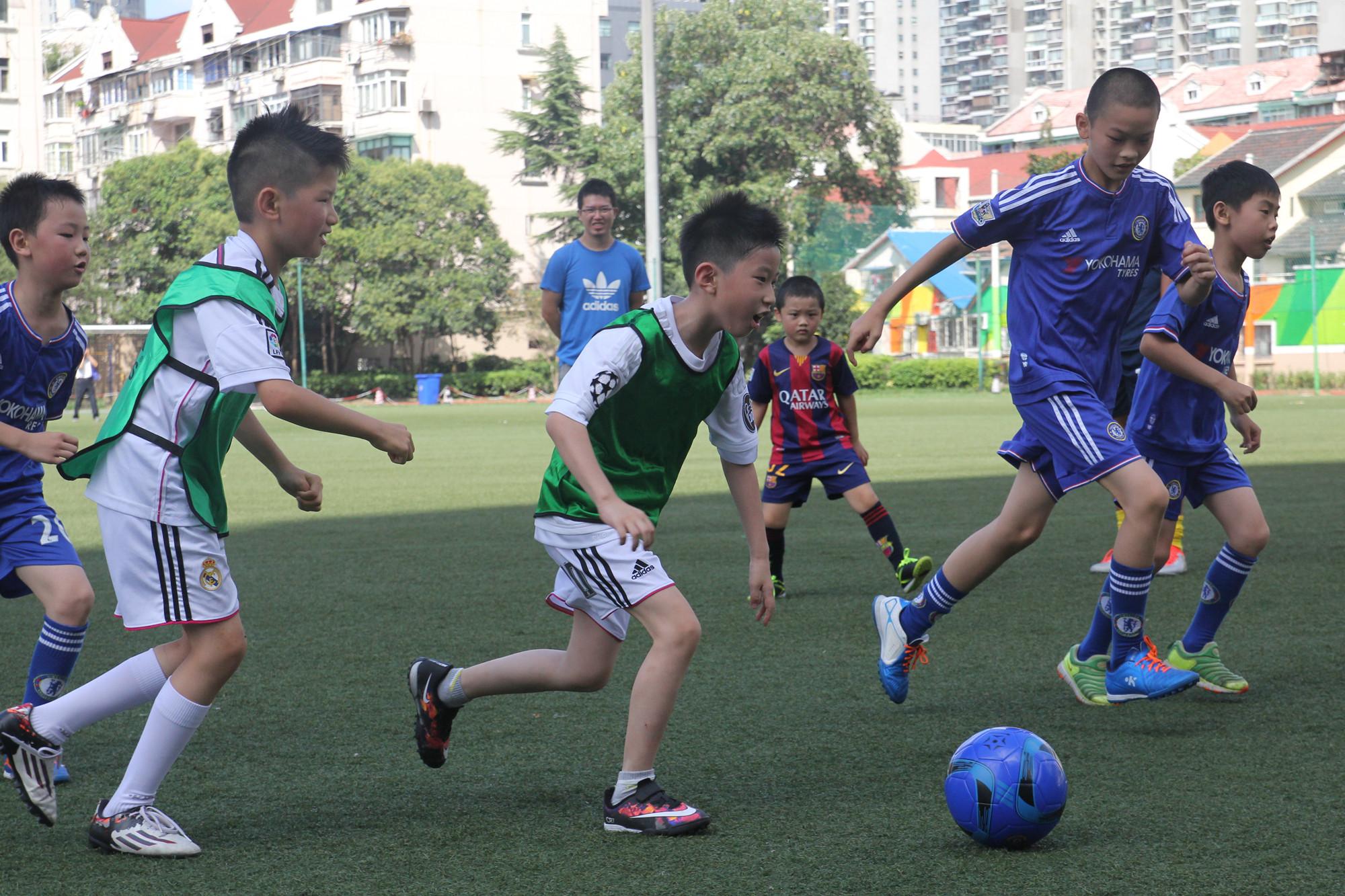 冠军少儿足球  C年龄段班
