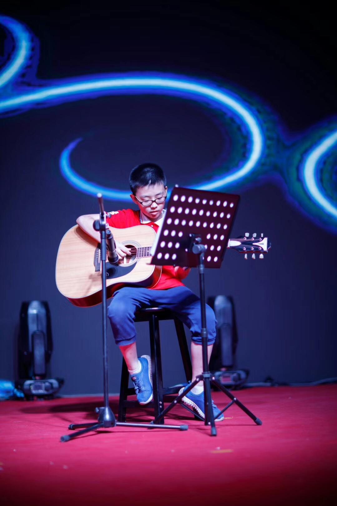 尚艺星吉他